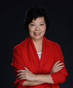 International Systemic Constellation Master Trainer Rebecca Szeto